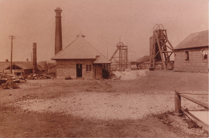 Photo of Donisthorpe Colliery downcast pit and screens