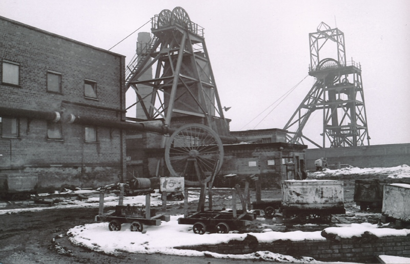 Black and white photograph showing the surface of Donisthorpe Colliery
