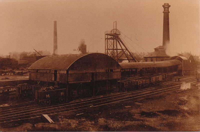 Photgraph of the downcast pit and screens at Donisthorpe Colliery
