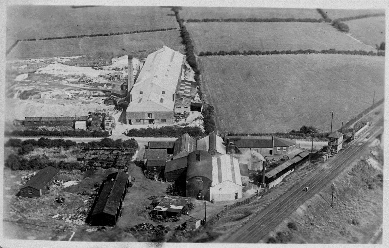Black and white aerial photograph of Moira Pottery